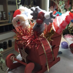 ξύλινο χριστουγεννιάτικο έλκηθρο με σαπούνια