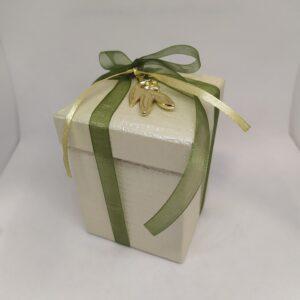 Mπομπονιέρα γάμου κουτάκι με μεταλλικό στοιχείο